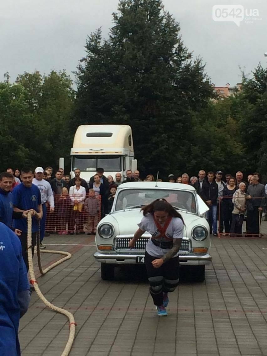 «Богатырские игры»: в центре Сум девушки тянули 2-тонный автомобиль, а парни – 4-тонную фуру , фото-12