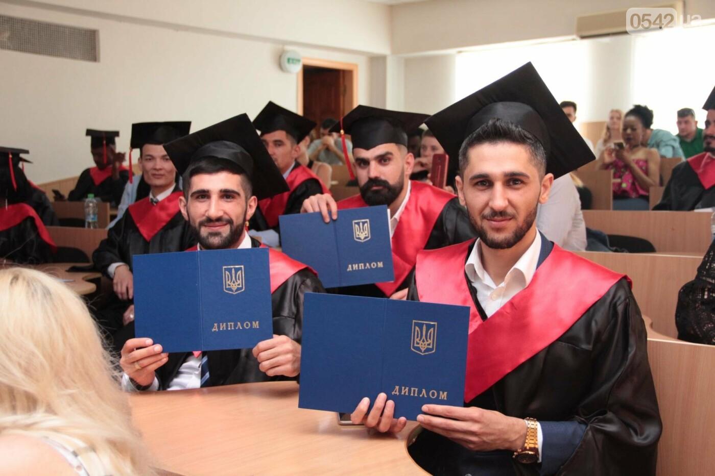 В Сумском НАУ состоялся торжественный выпуск студентов-иностранцев, фото-1