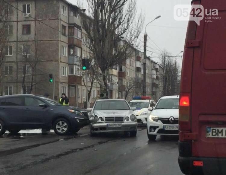 В Сумах из-за ДТП образовалась пробка на ул. Металлургов, фото-1