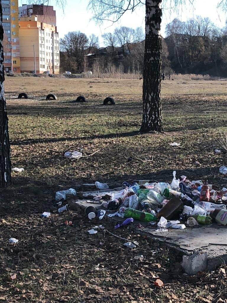 У Сумах на території озера Чеха купи сміття: відповідальних немає, фото-3