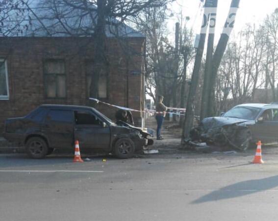 У Сумах зіткнулися дві автівки, фото-2