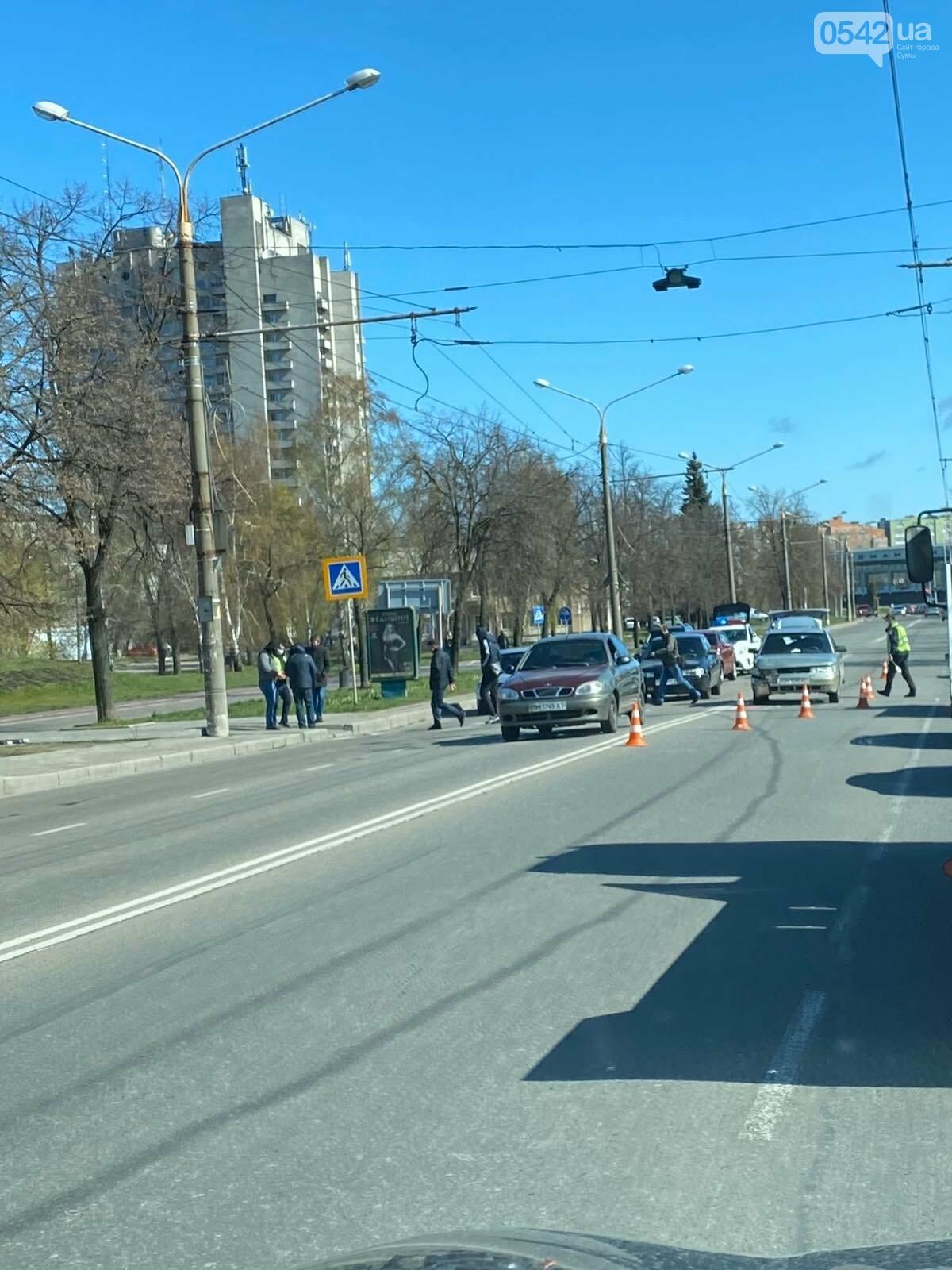 У Сумах сталася аварія з чотирма автівками , фото-3