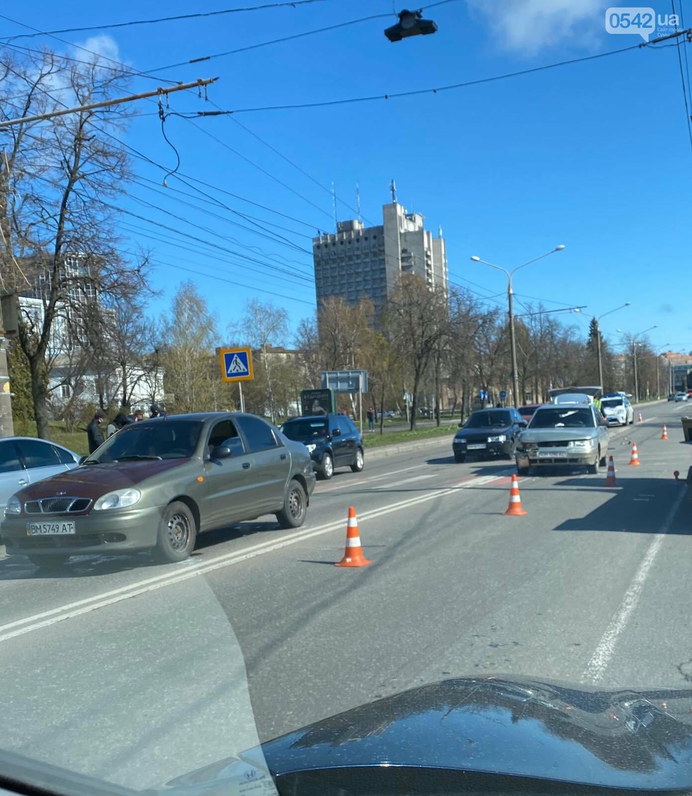 У Сумах сталася аварія з чотирма автівками , фото-2