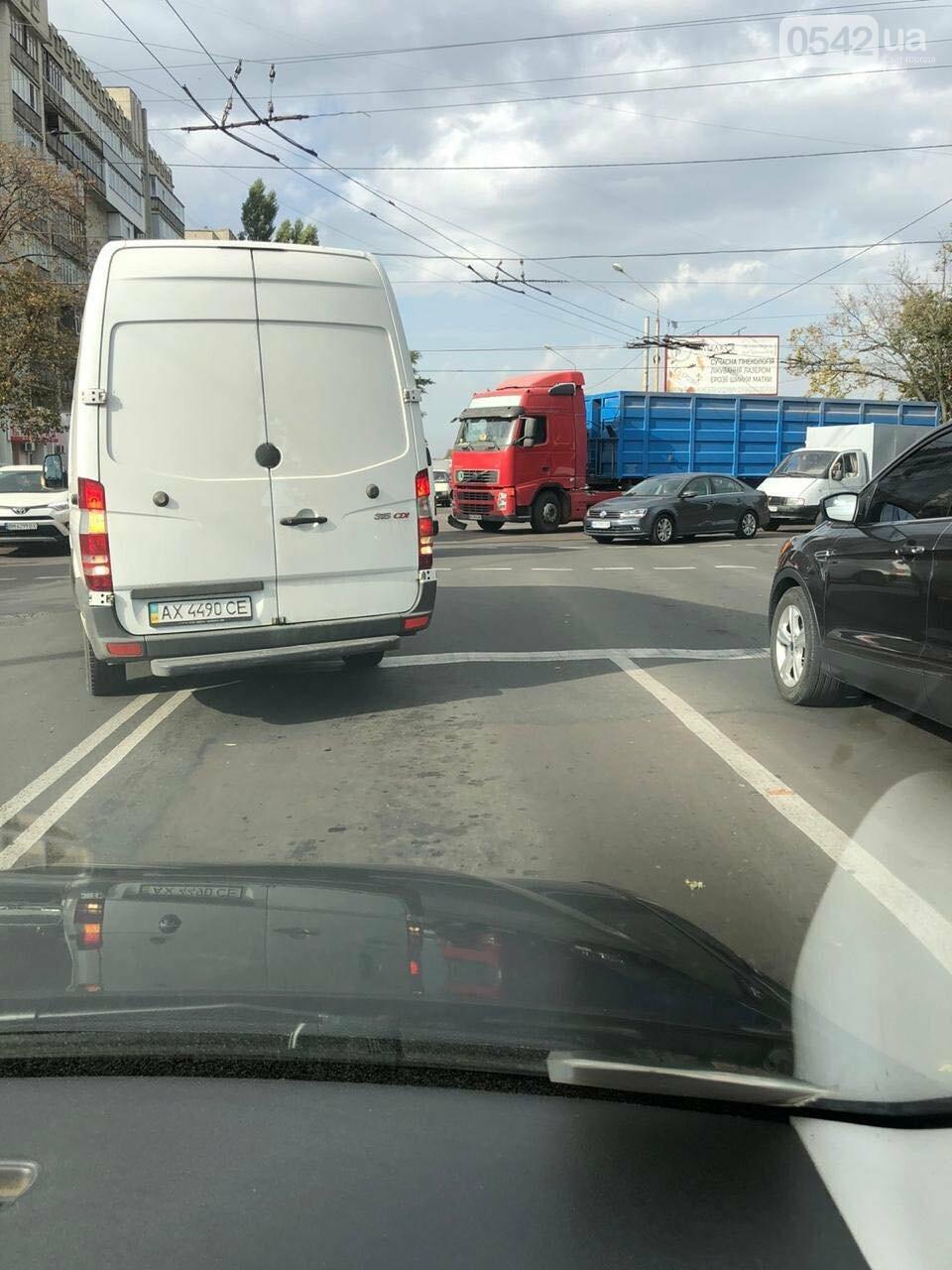 У Сумах ДТП за участю маршрутки та вантажівки, фото-3
