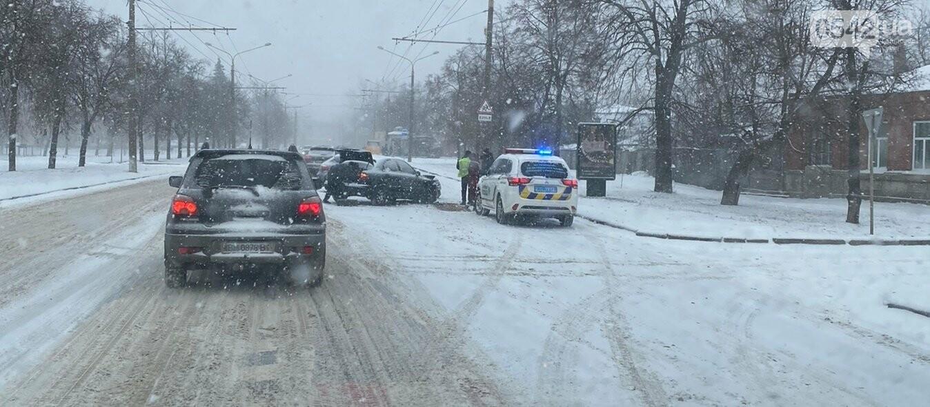 Фотофакт: на Героїв Сумщини зіткнулися два авто, фото-1