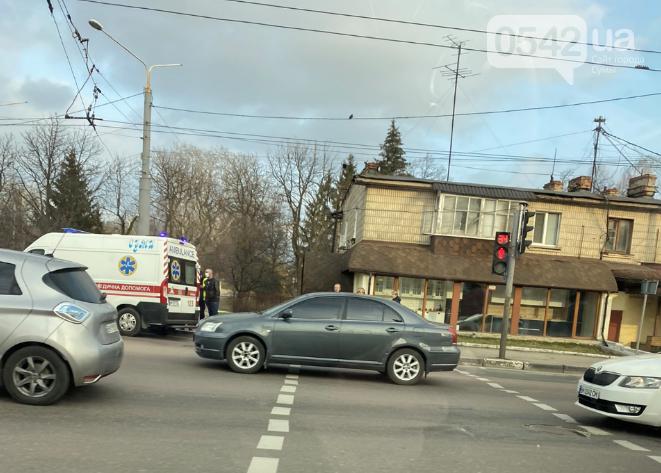 У Сумах хлопець потрапив під колеса авто, фото-3