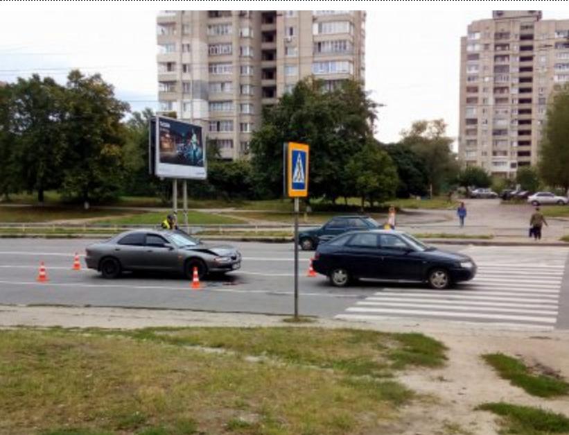 В Сумах на пешеходном переходе столкнулись два авто, фото-1