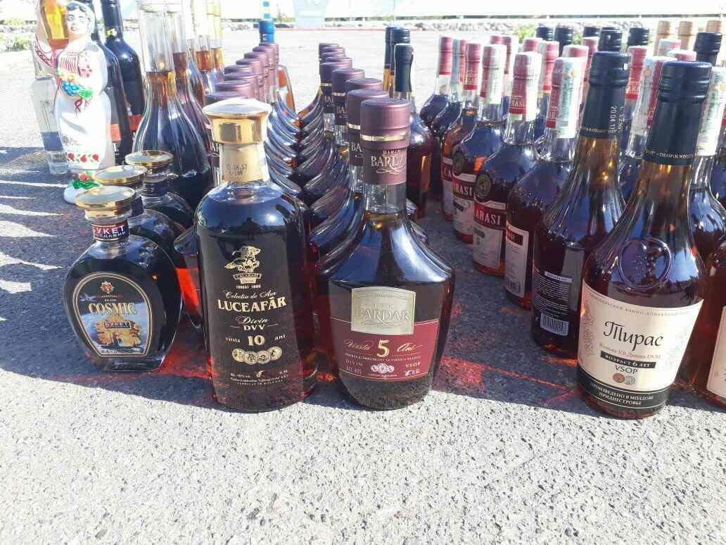 На Сумщине в пограничной полосе двое молдаван перевозили более 1200 литров алкогольной продукции, фото-2