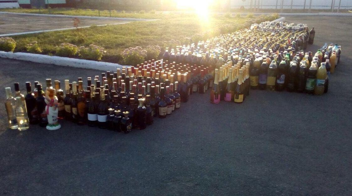 На Сумщине в пограничной полосе двое молдаван перевозили более 1200 литров алкогольной продукции, фото-5