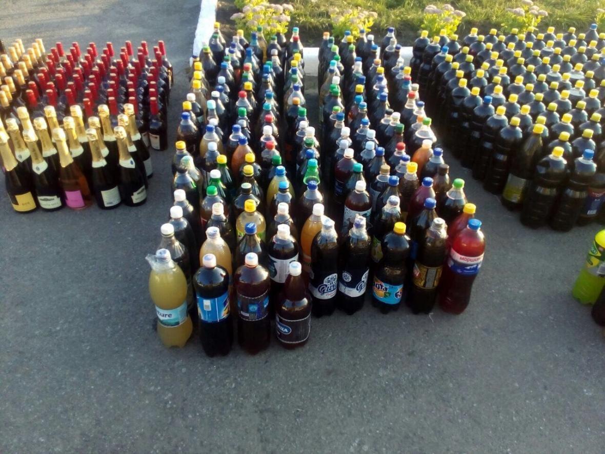 На Сумщине в пограничной полосе двое молдаван перевозили более 1200 литров алкогольной продукции, фото-7