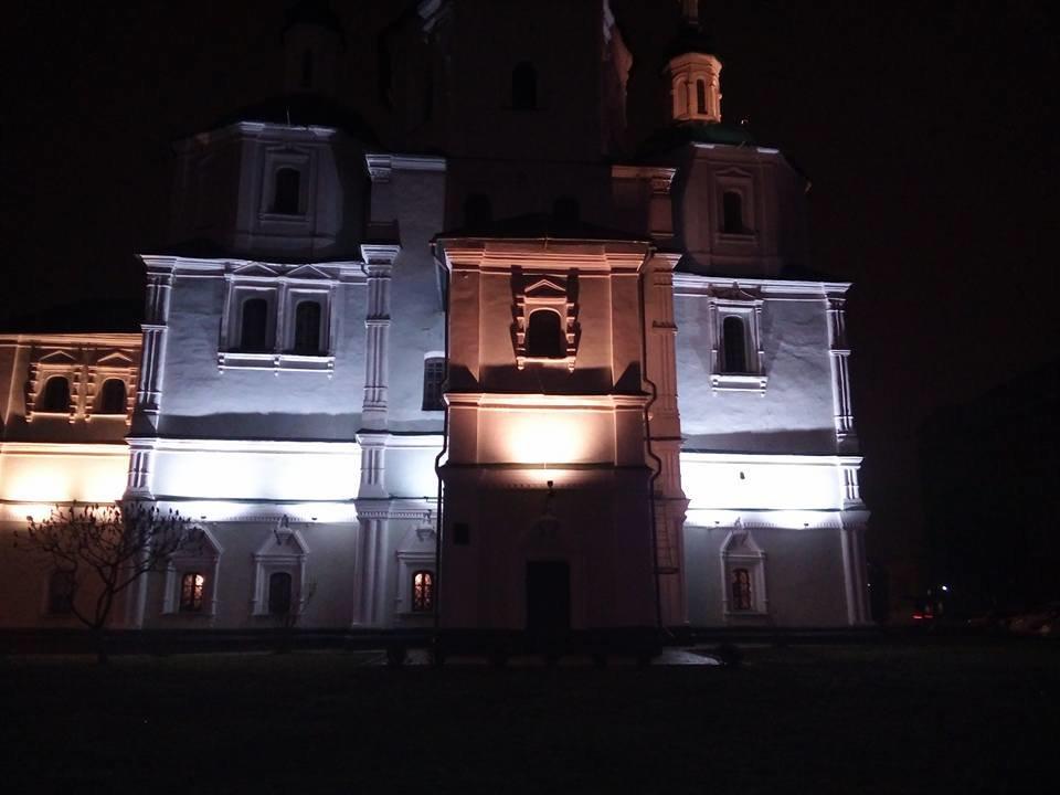 В Сумах подсветили стены Воскресенской церкви, фото-1