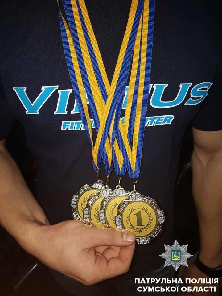 Патрульный из Сум привез 4 золотые медали с соревнований по пауэрлифтингу, фото-2