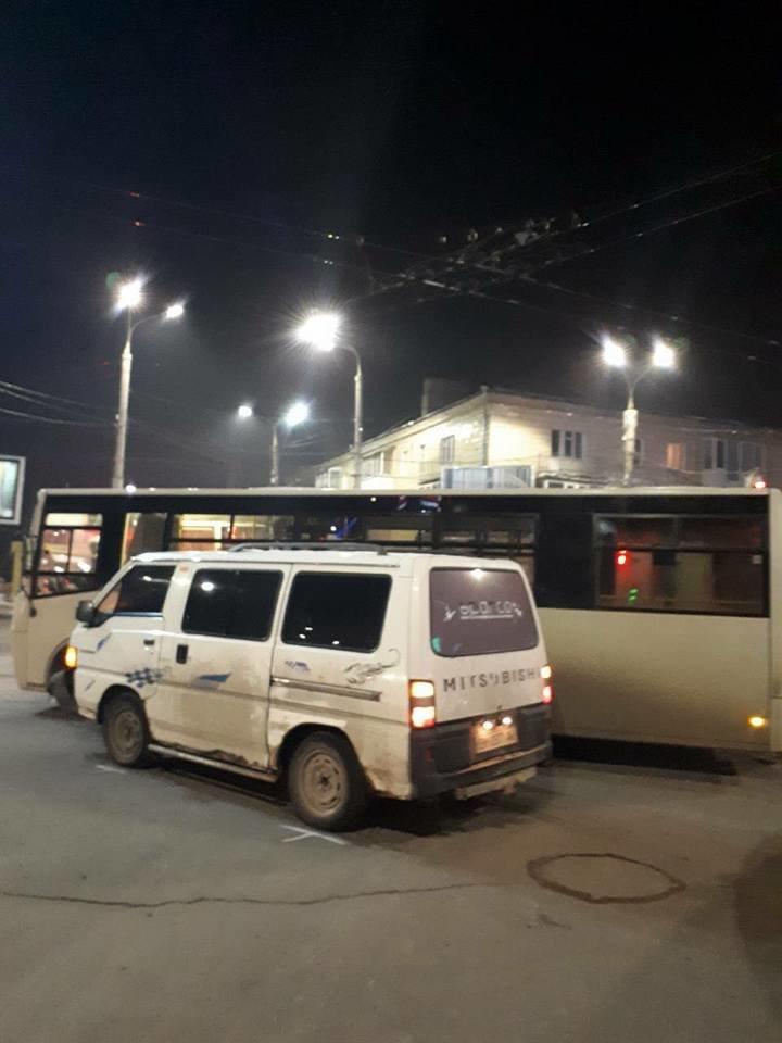 В Сумах автобус попал в ДТП, фото-1