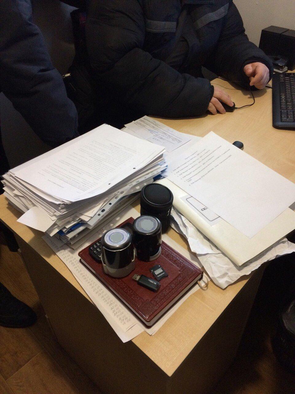 Управление защиты экономики и налоговая милиция прикрыли крупнейший в истории Сумщины конвертационный центр с оборотом 350 млн грн, фото-5