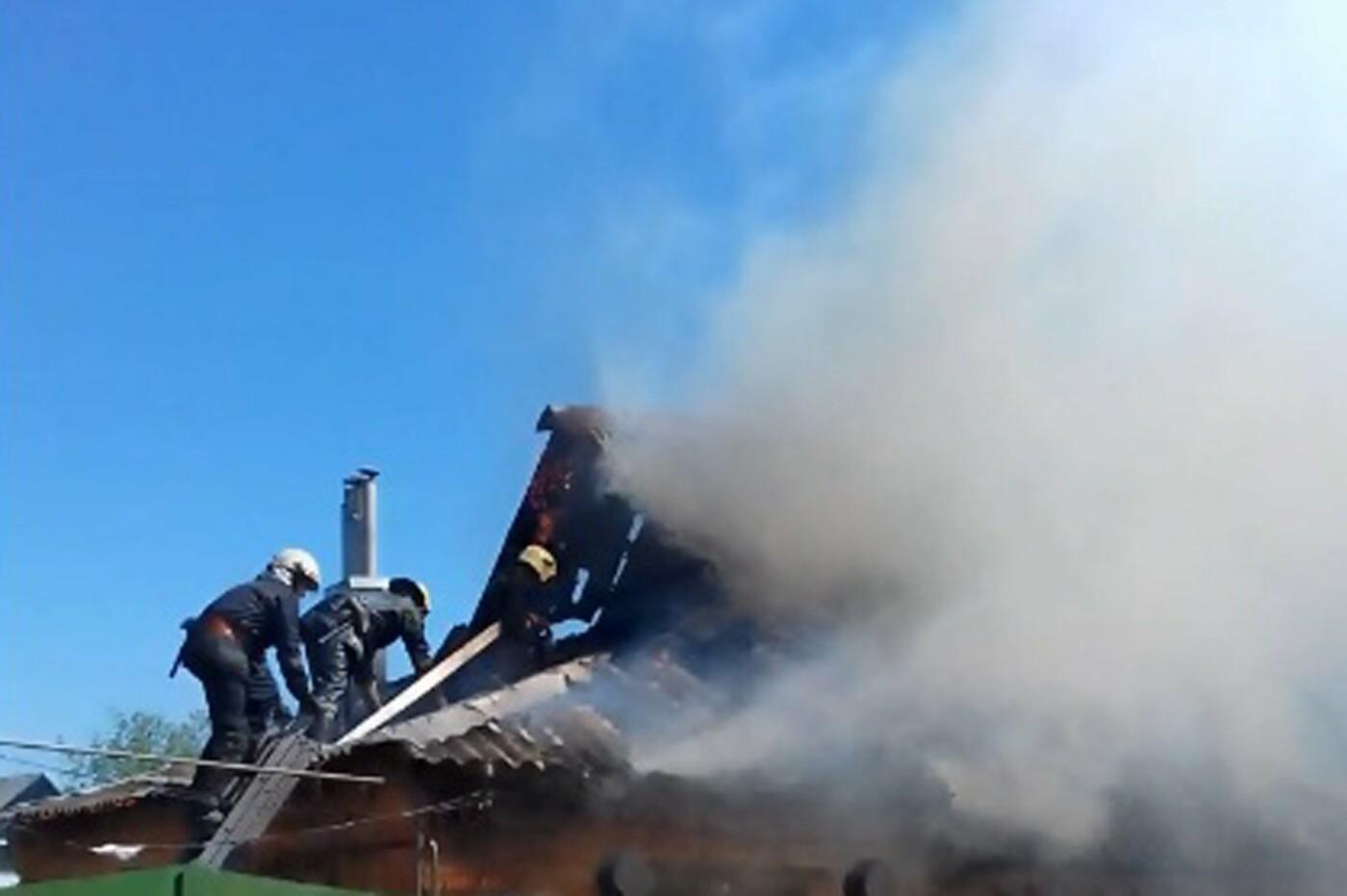 В Сумах горел жилой дом, фото-3