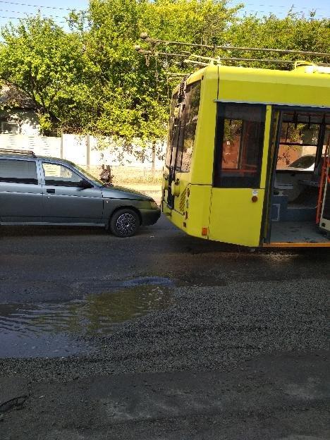В Сумах троллейбус попал в ДТП, фото-1