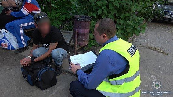 В Сумах средь бела дня избили и ограбили мужчину, фото-2