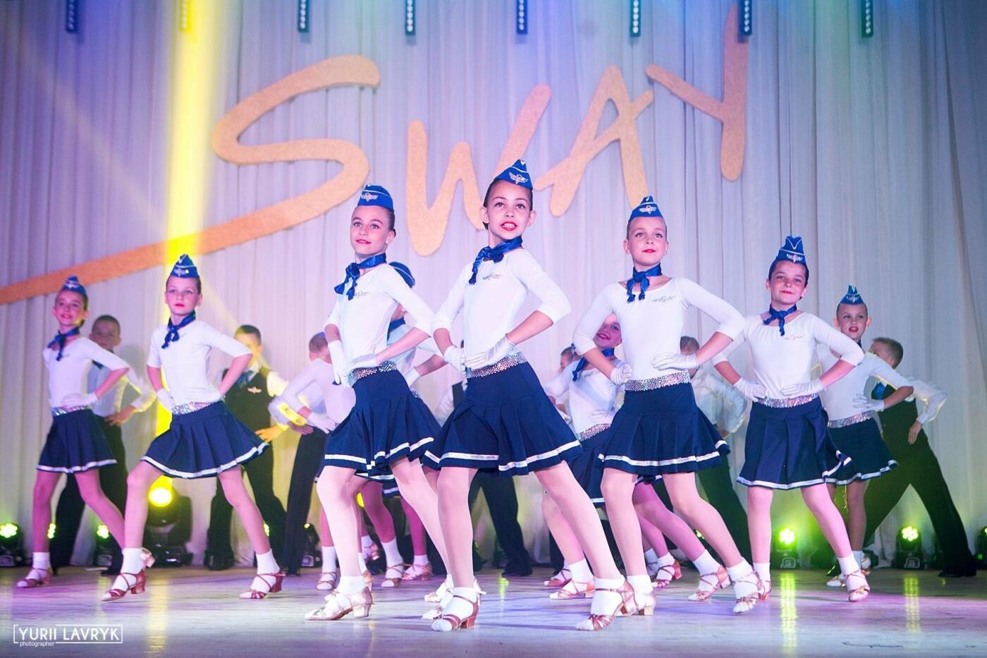 Хореографический коллектив Сумского НАУ отпраздновал свой День рождения грандиозным концертом, фото-3