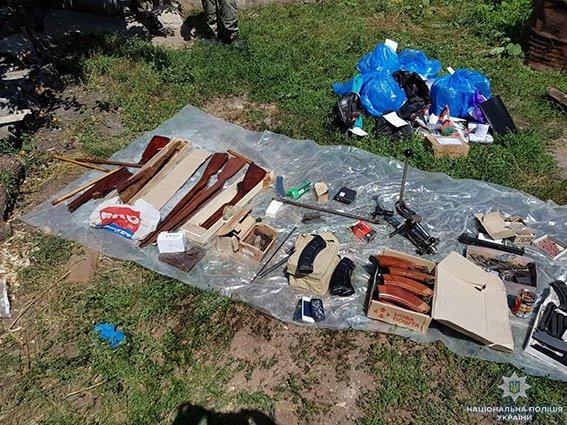 На Сумщині працівники поліції та СБУ виявили підпільний цех по виготовленню набоїв та переробці зброї, фото-2