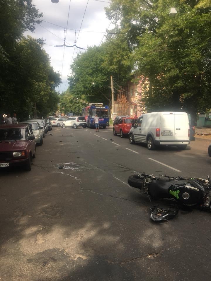 В Сумах произошло ДТП с участием мотоцикла, фото-2
