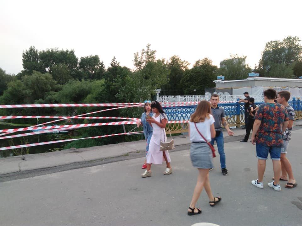 В Сумах обвалились перила Харьковского моста, фото-9