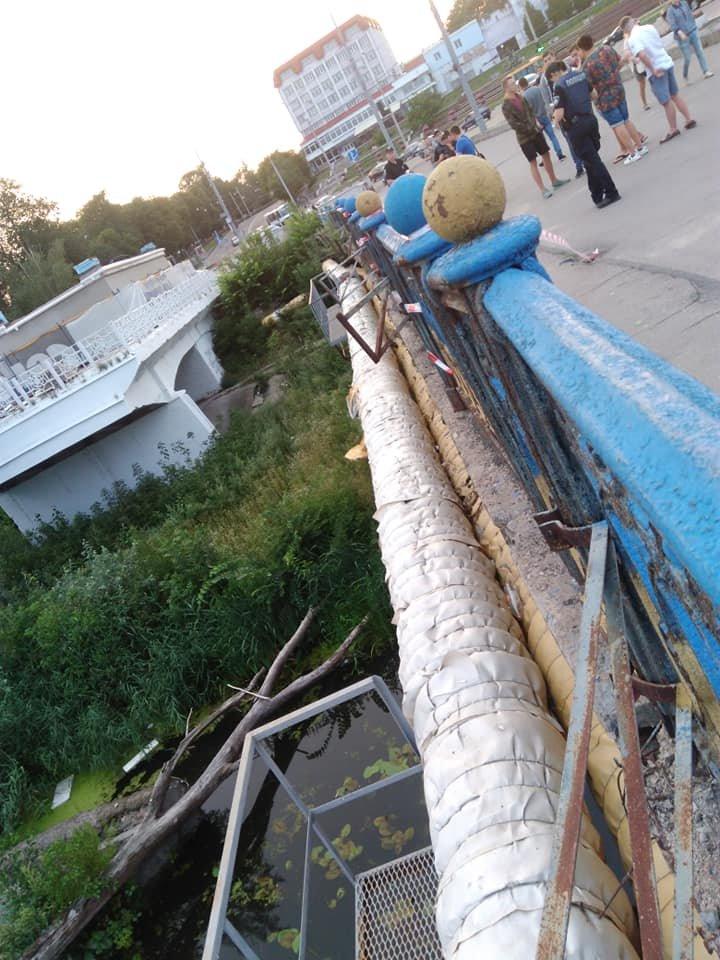 В Сумах обвалились перила Харьковского моста, фото-8