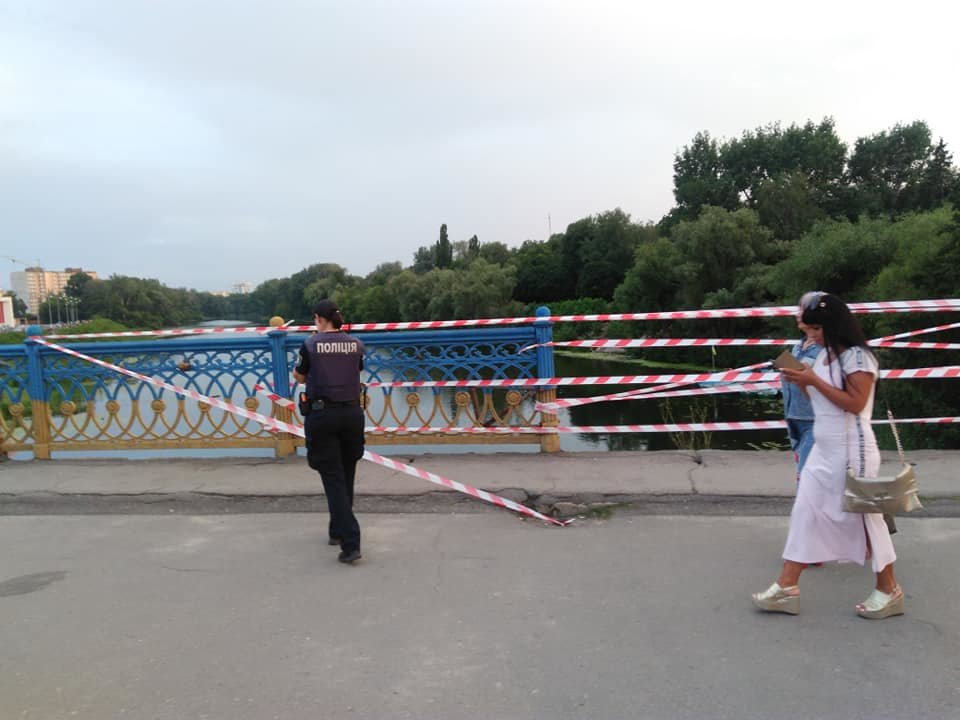 В Сумах обвалились перила Харьковского моста, фото-5