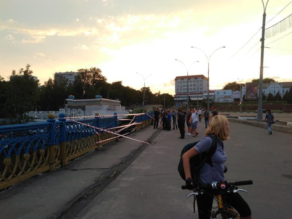 В Сумах обвалились перила Харьковского моста, фото-4