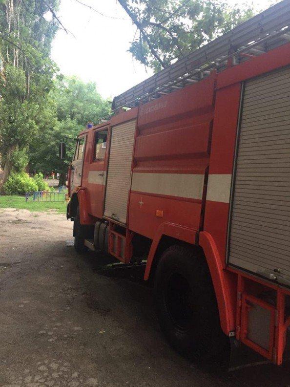 В Сумах пьяный мужчина едва не спалил жилой дом, фото-2