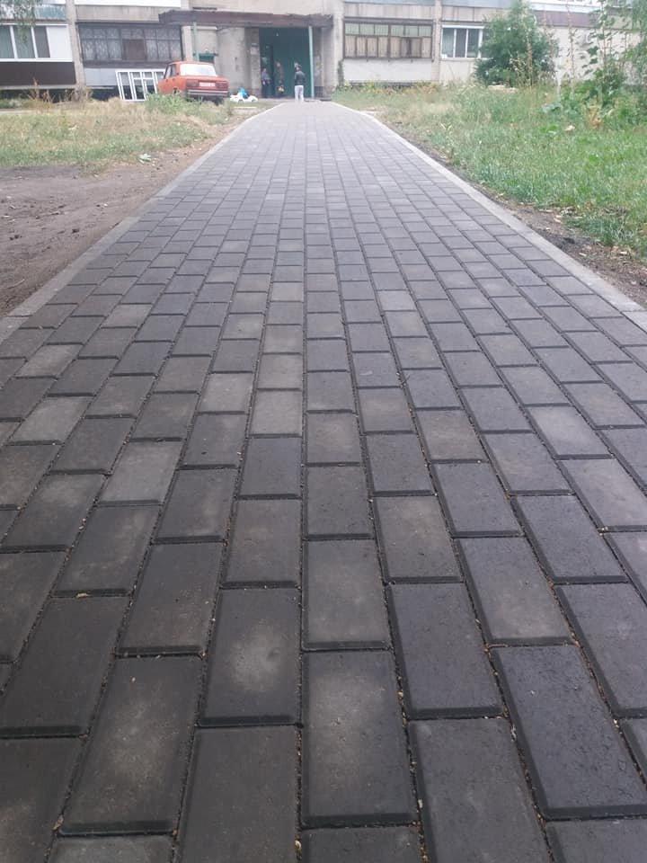 В Сумах продолжается ремонт тротуаров , фото-2
