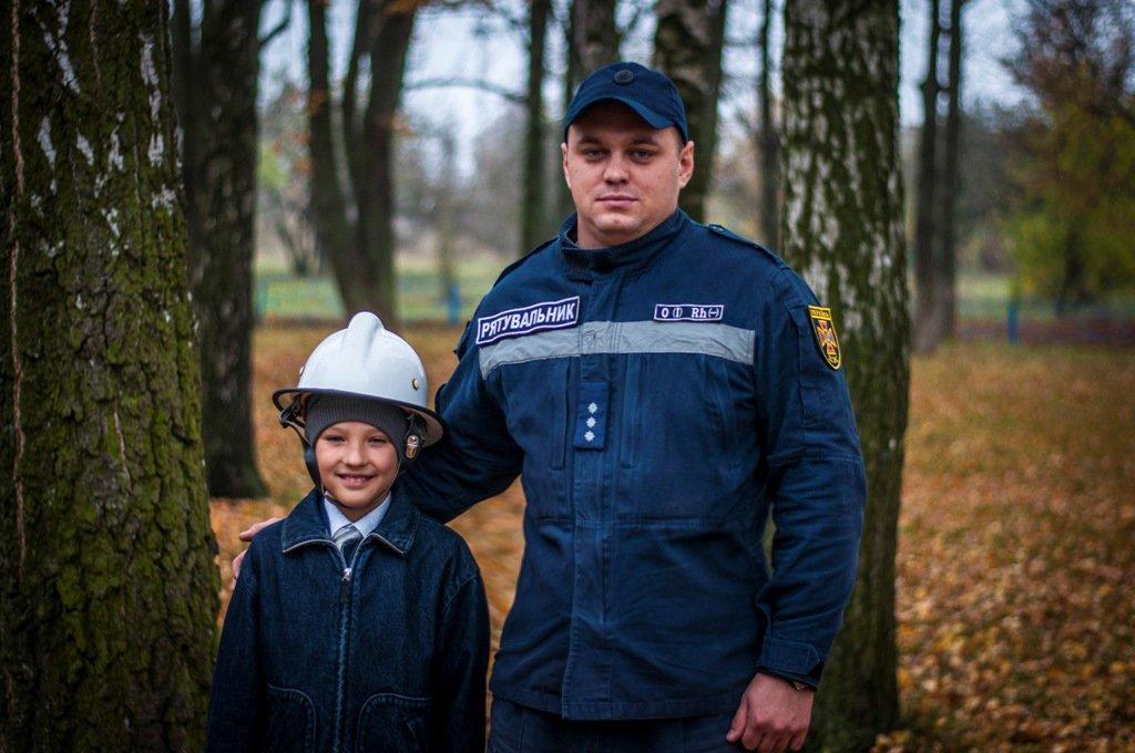 Маленький герой: на Сумщине наградили 9-летнего мальчика, который спас своего брата во время пожара, фото-2