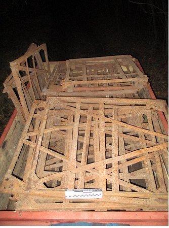 На Сумщине 14-ти и 16-тилетние подростки украли с предприятия 300 кг металла, фото-1