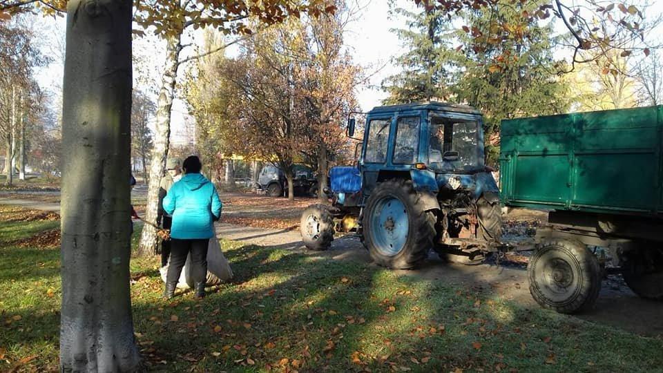 В Сумах в городском парке им. Кожедуба и сквере «Дружба» наводят порядок , фото-1