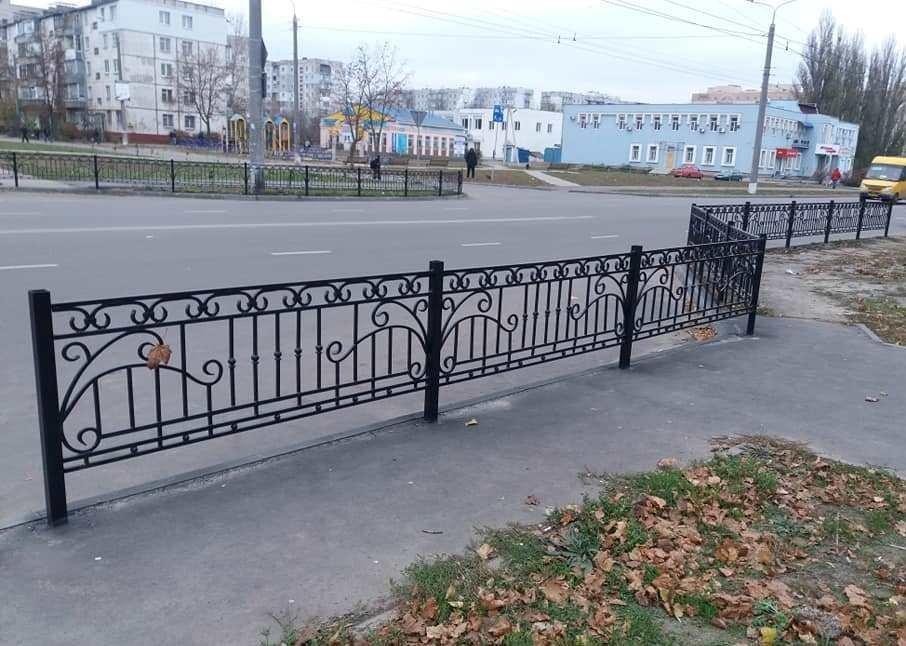В Сумах на ул. Зеленко установили пешеходное ограждение, фото-3