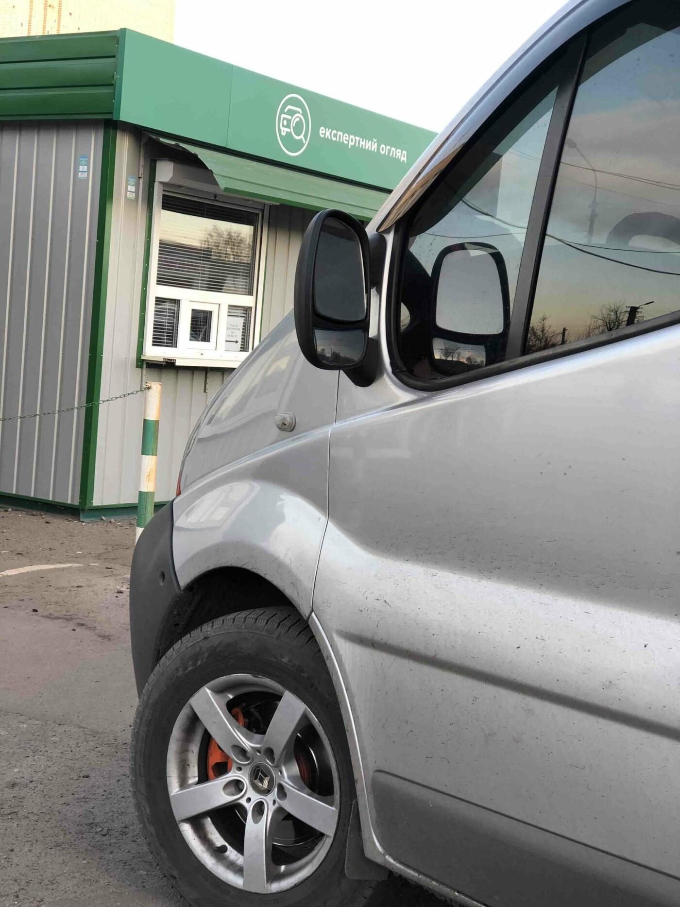 В Сумах во время перерегистрации автомобилей обнаружен «перебитый» «Рено» и «Ниссан» в розыске, фото-1