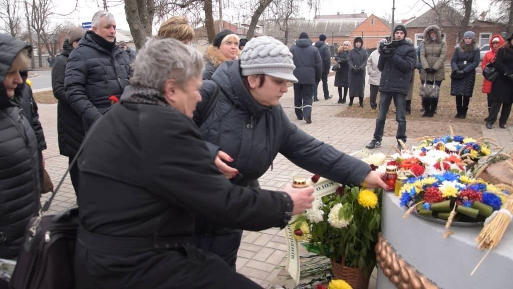 В Сумах почтили память жертв Голодомора, фото-1