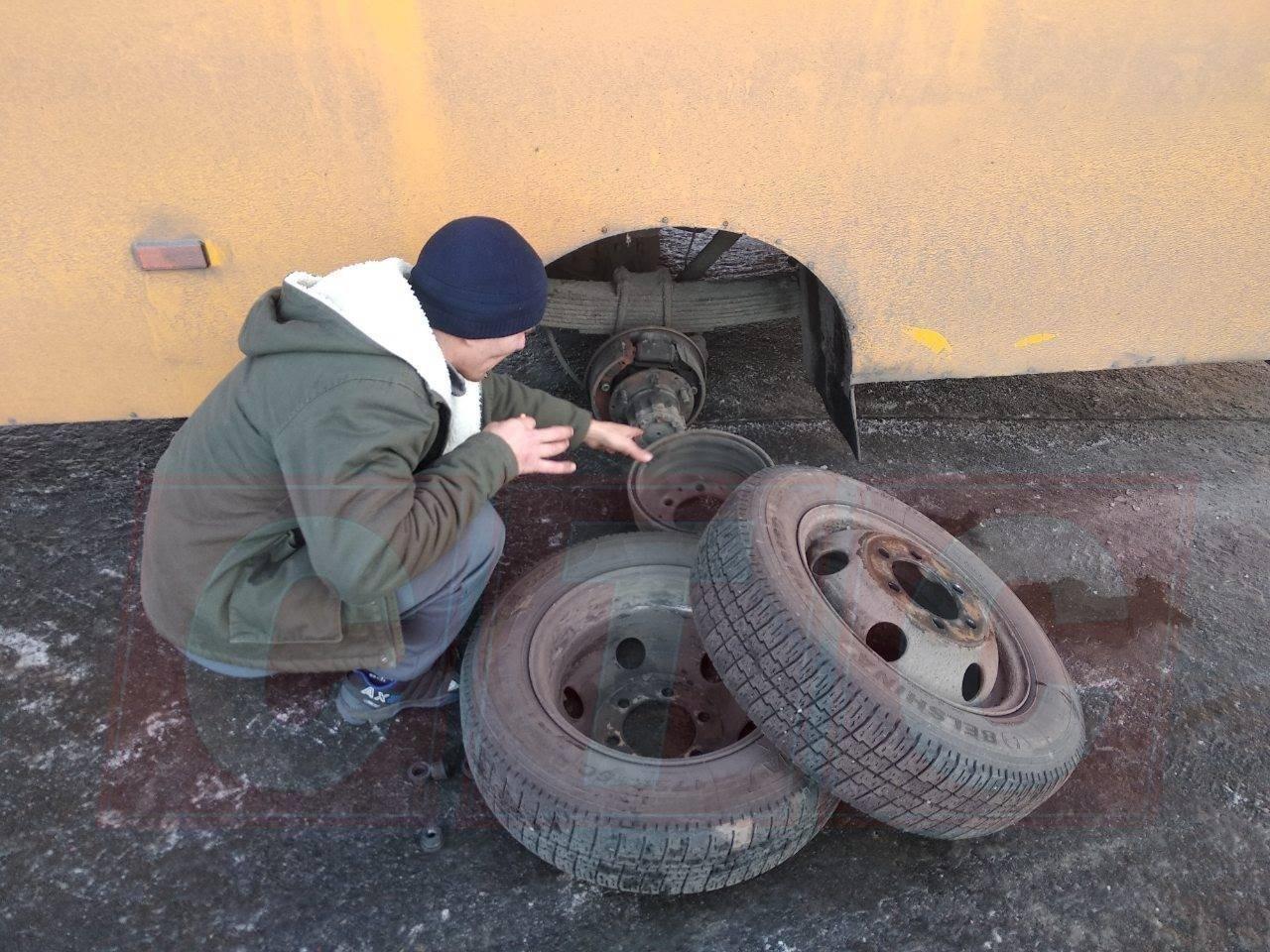 У сумской маршрутки отпало колесо, фото-2