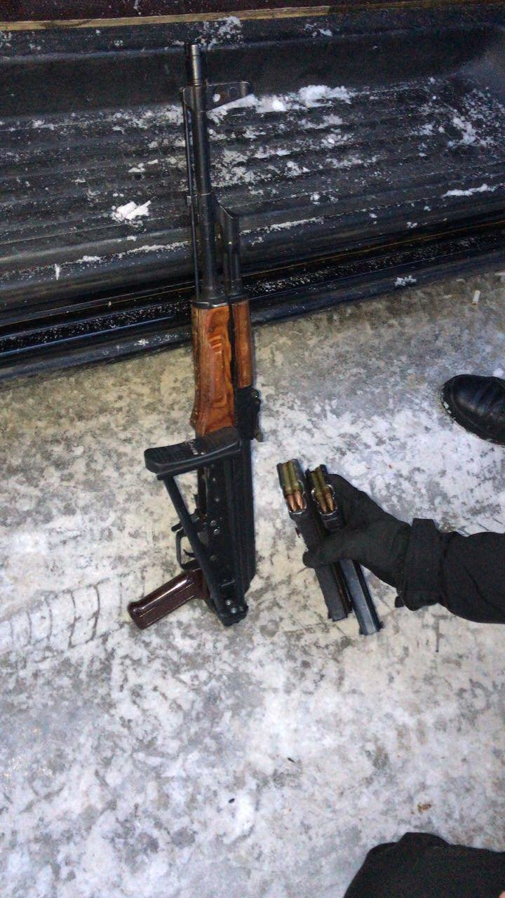 Столичные полицейские остановили автомобиль с похищенным в Сумах человеком, фото-5