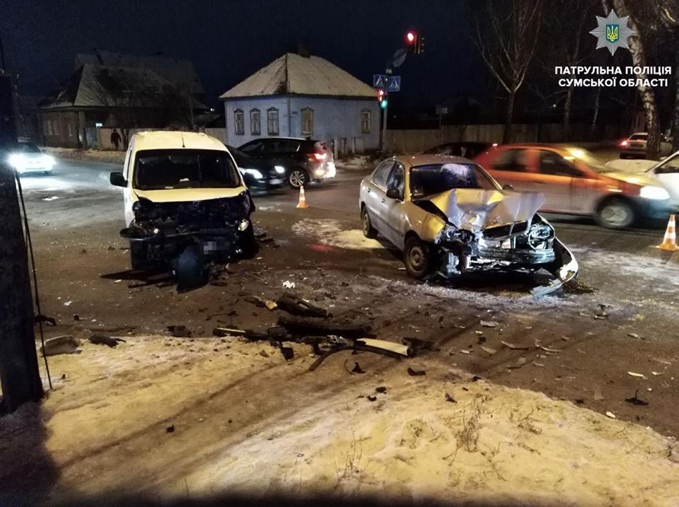 В Сумах на «черном» перекрестке произошло ДТП с пострадавшими, фото-1