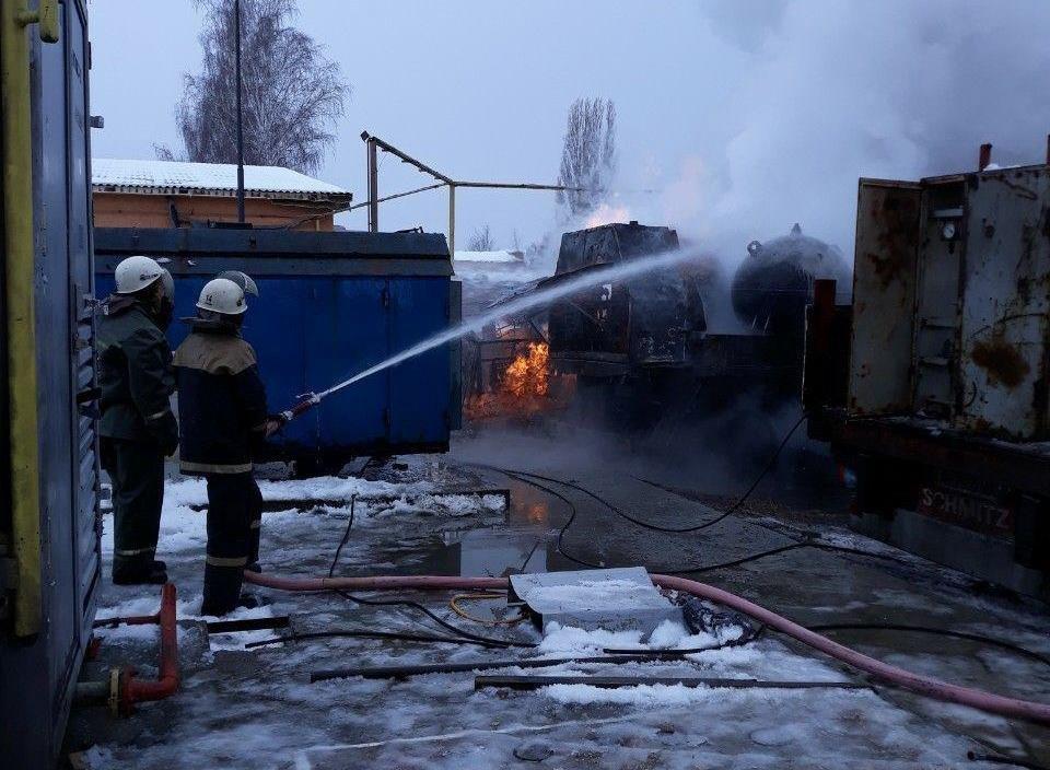 На Сумщине загорелся передвижной автогазозаправщик, фото-1