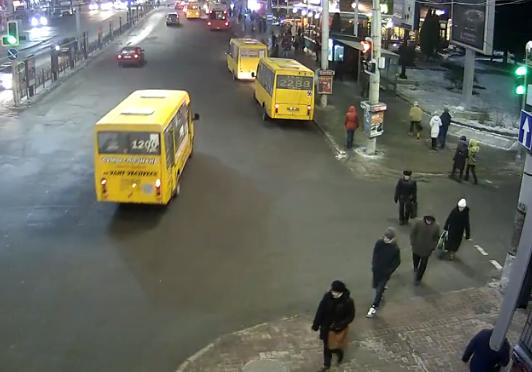Сумчане просят заменить светофор на пешеходный переход, фото-1