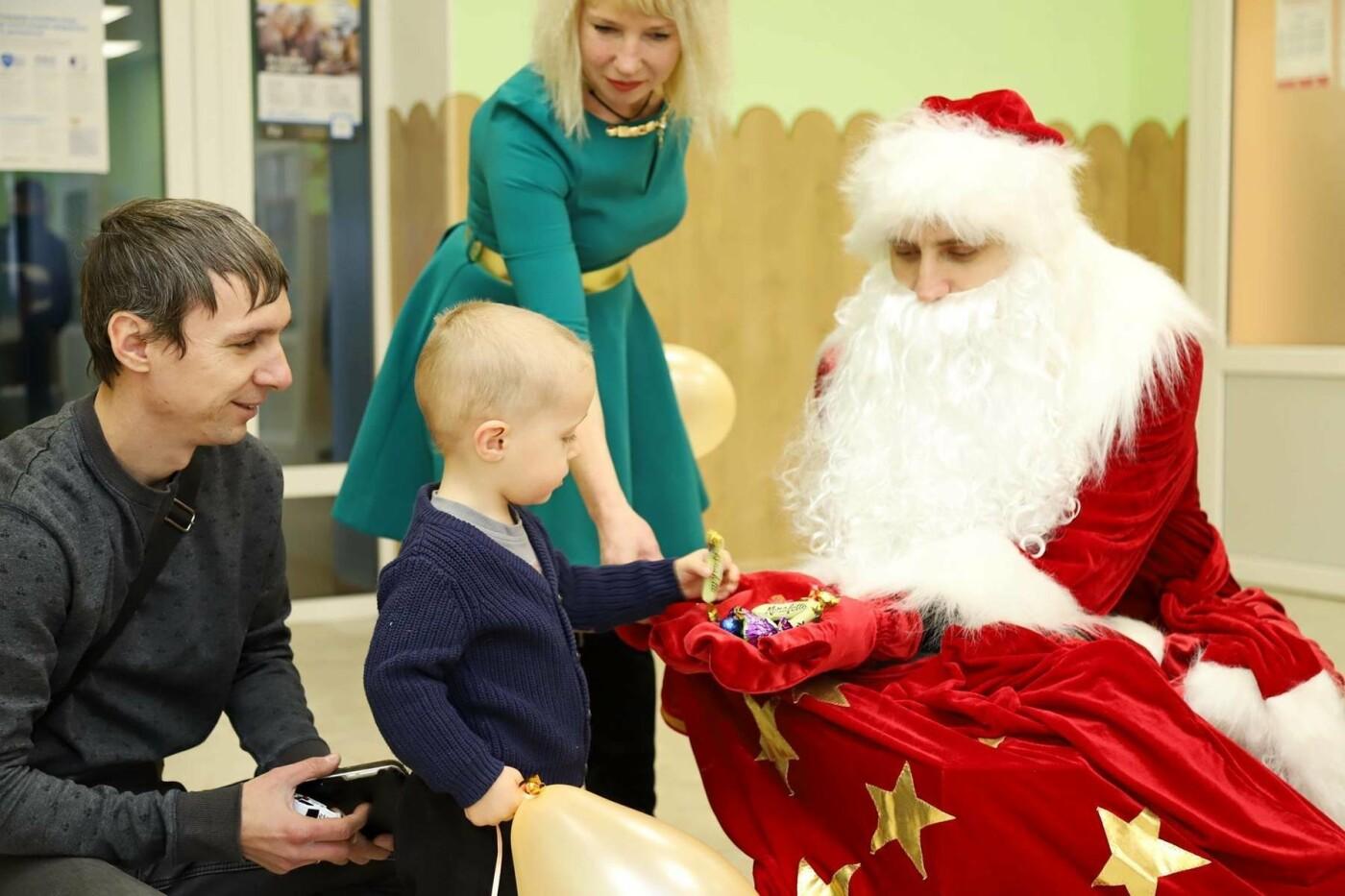 В сумских больницах поздравляли маленьких пациентов с Днем Святого Николая, фото-8