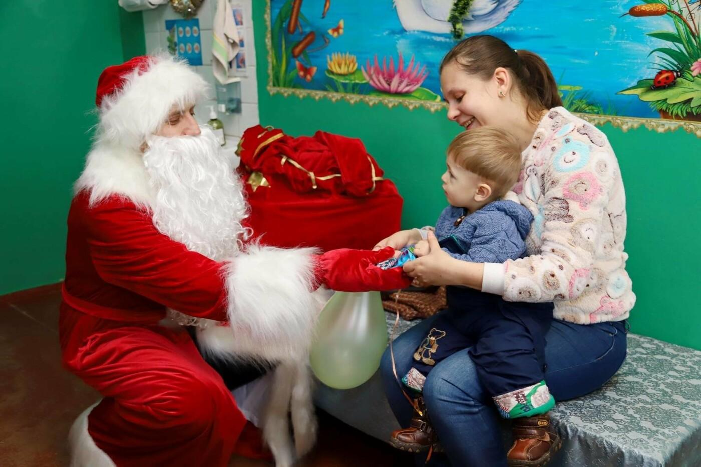 В сумских больницах поздравляли маленьких пациентов с Днем Святого Николая, фото-6