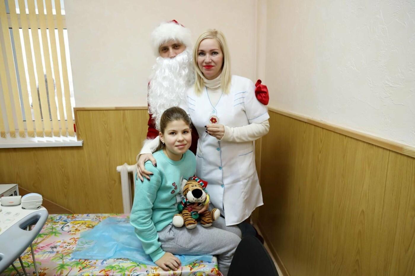 В сумских больницах поздравляли маленьких пациентов с Днем Святого Николая, фото-5