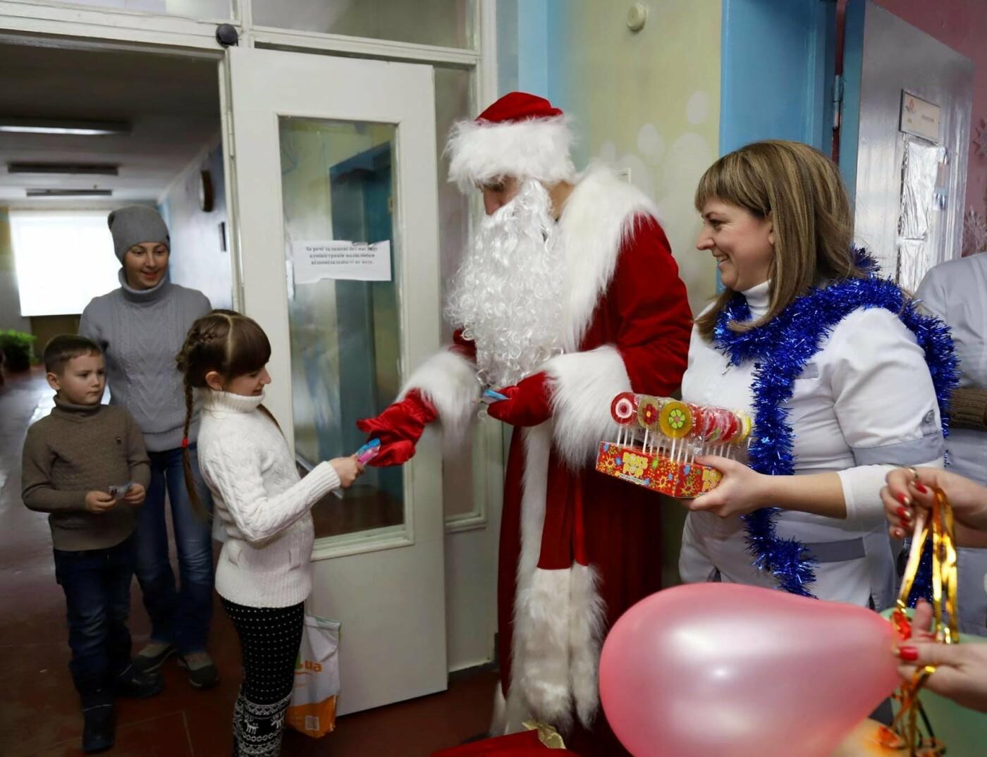 В сумских больницах поздравляли маленьких пациентов с Днем Святого Николая, фото-4