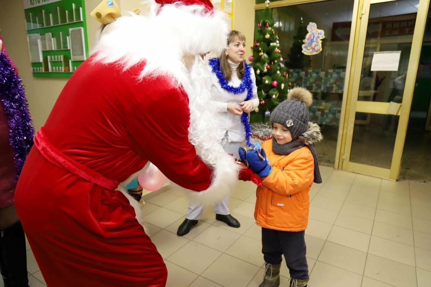 В сумских больницах поздравляли маленьких пациентов с Днем Святого Николая, фото-1