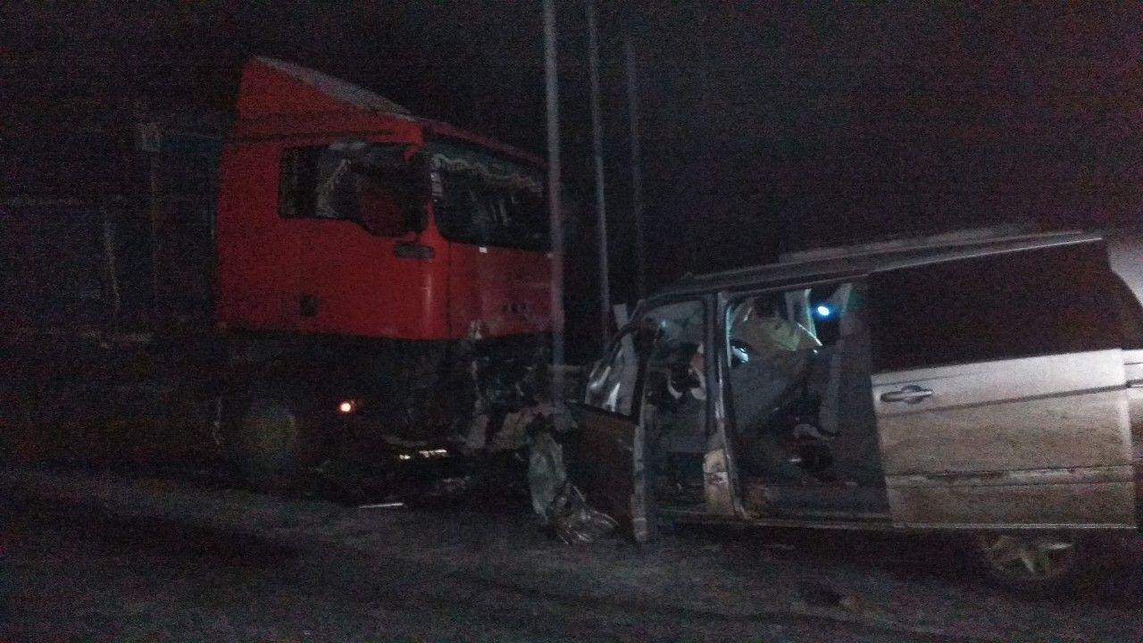 На Сумщине спасатели освободили 2 человека с деформированных в ДТП авто, фото-2