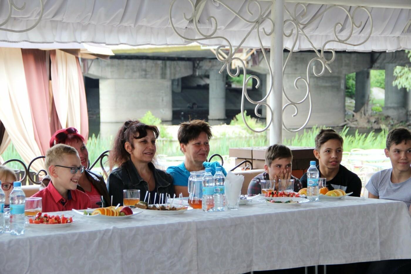 Прийомних батьків та батьків-вихователів на у Сумах навчали в форматі «літньої школи», фото-1