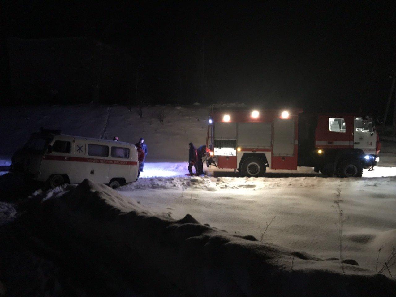 В Сумской области за сутки спасатели трижды помогали медикам добираться к пациентам, фото-1