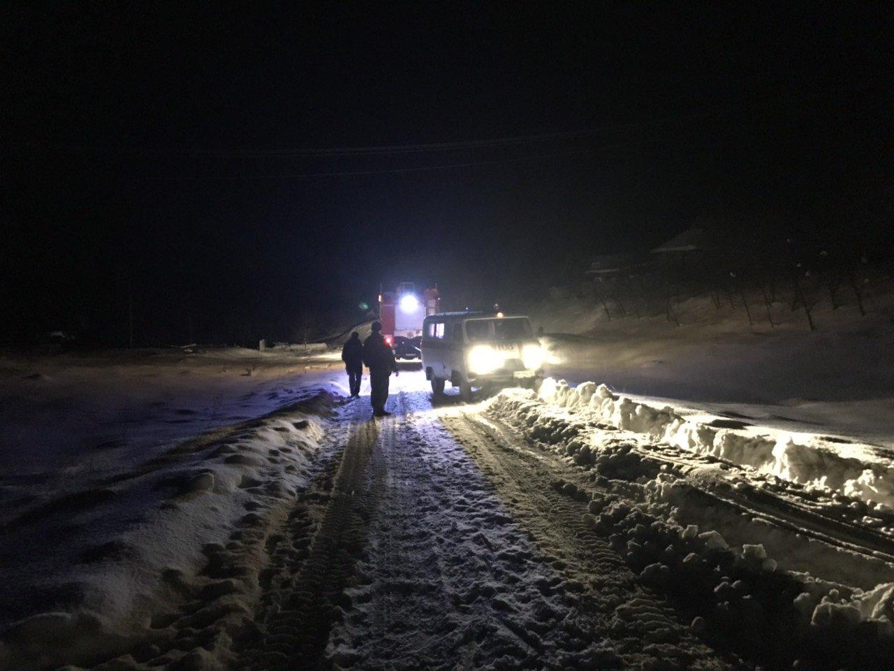 В Сумской области за сутки спасатели трижды помогали медикам добираться к пациентам, фото-3